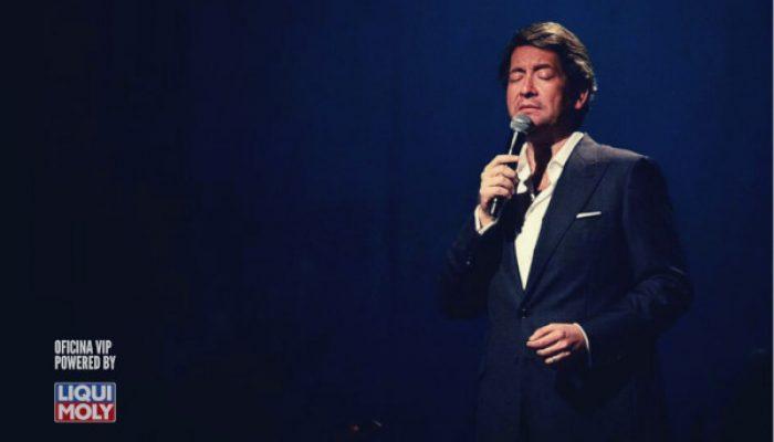 Carlos Leitão performing